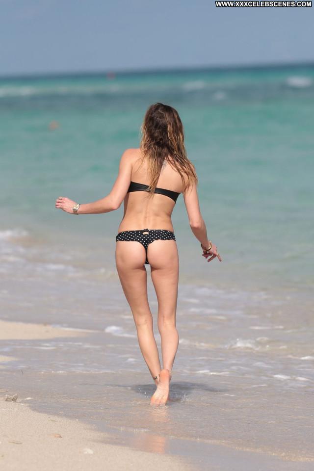 Katie Cassidy The Beach Babe Celebrity Beautiful Bikini Candids Beach