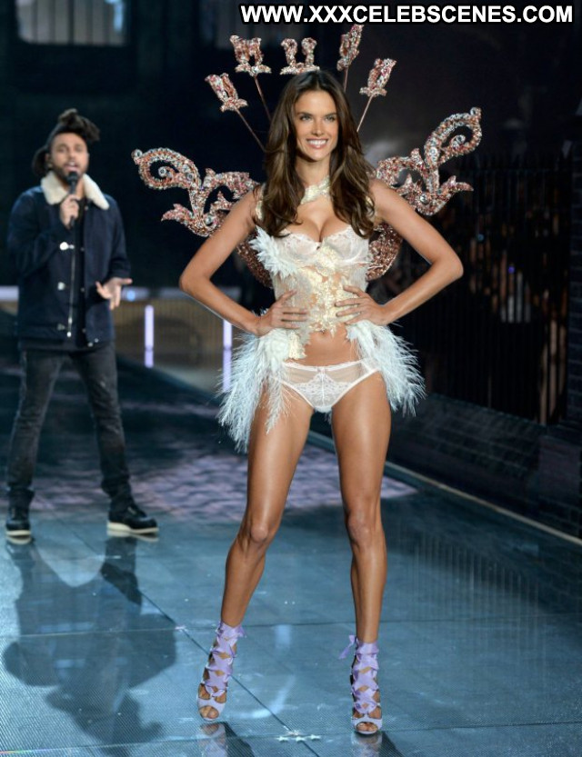 Alessandra Ambrosio No Source Celebrity Babe Posing Hot Beautiful