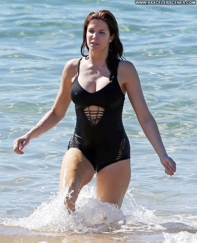 Stephanie Seymour The Beach Posing Hot Bikini Beach Babe Beautiful