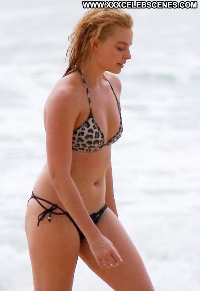 Margot Robbie The Beach Beach Babe Bikini Beautiful Celebrity Posing