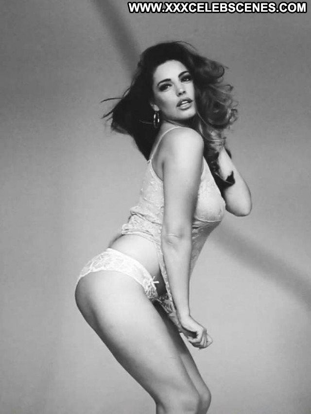 Kelly Brook No Source Beautiful Posing Hot Babe Celebrity Calendar