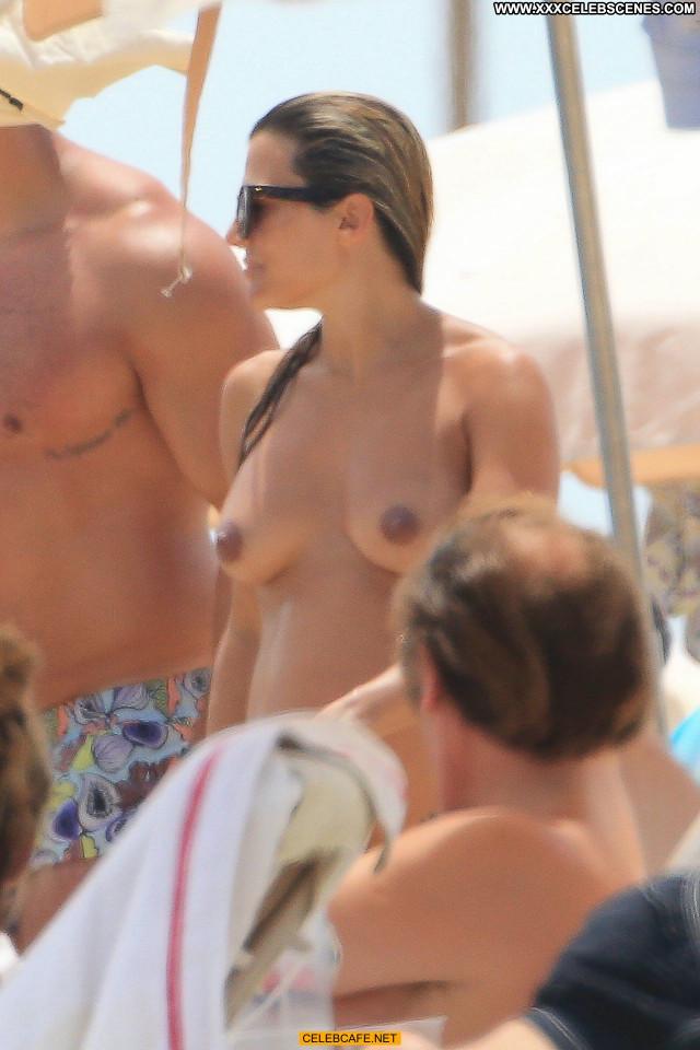 Zoe Hardman No Source Celebrity Beautiful Babe Posing Hot Topless