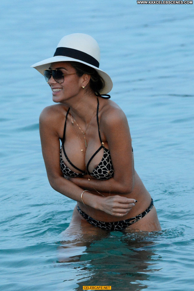 Nicole Scherzinger Posing Hot Nipple Slip Celebrity Beach Beautiful