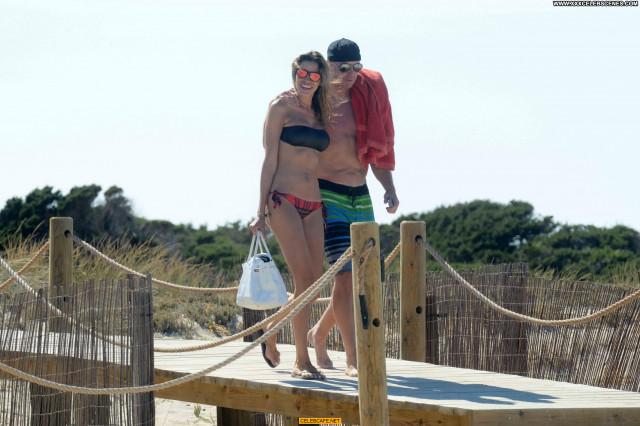 Aida Yespica The Beach  Beach Celebrity Beautiful Posing Hot Babe