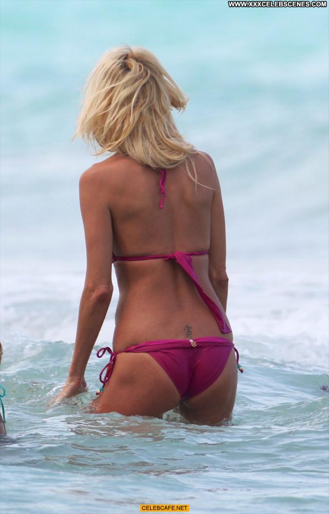 Victoria Silvstedt No Source  Babe Sexy Posing Hot Bikini Celebrity