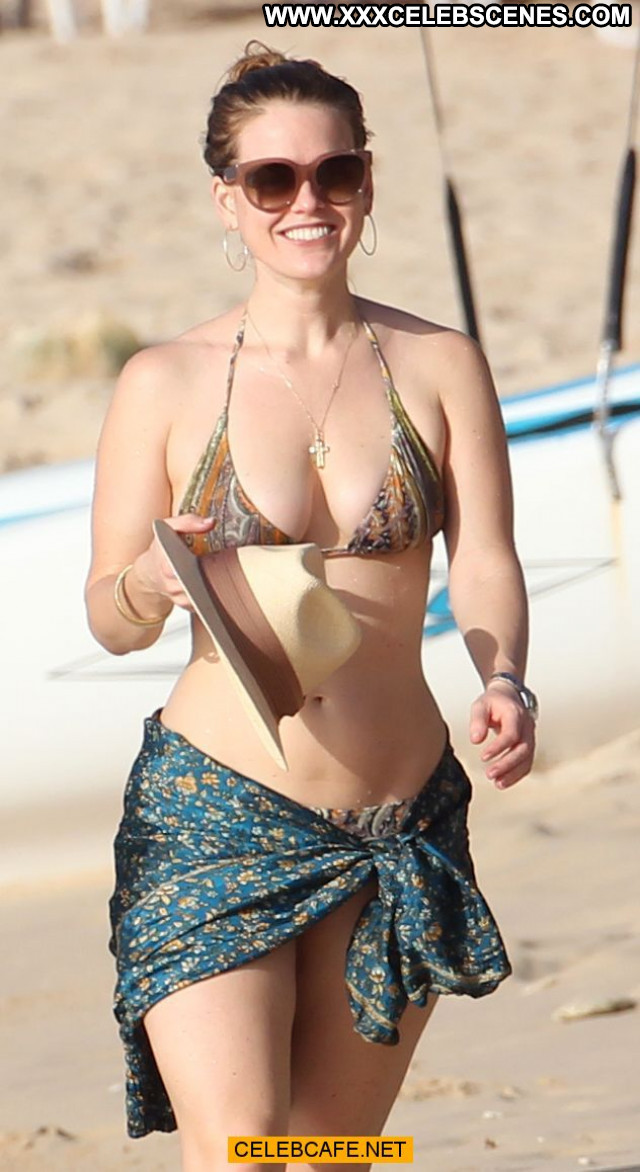 Alice Eve No Source Posing Hot Babe Beautiful Celebrity Bar Bikini