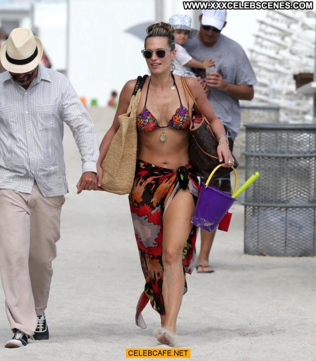 Molly Sims No Source Beautiful Babe Posing Hot Bikini Celebrity