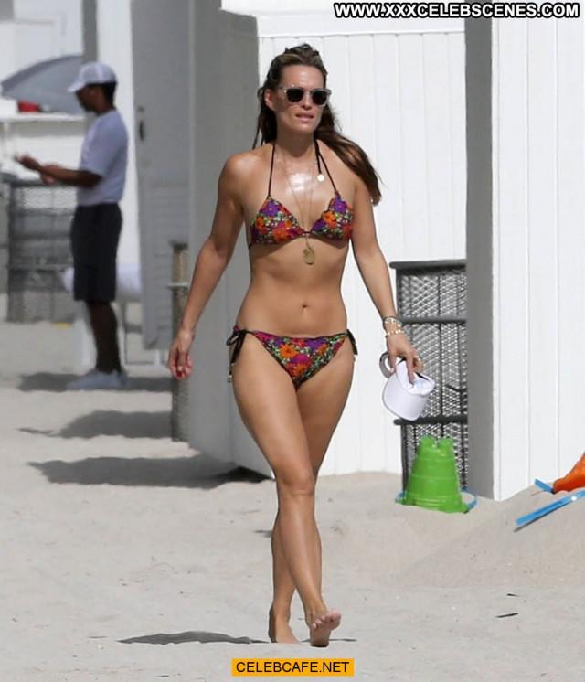 Molly Sims No Source Bikini Beautiful Babe Posing Hot Celebrity