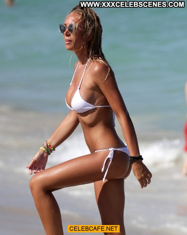 Laura Cremaschi Celebrity Posing Hot Nipple Slip Beautiful Bikini