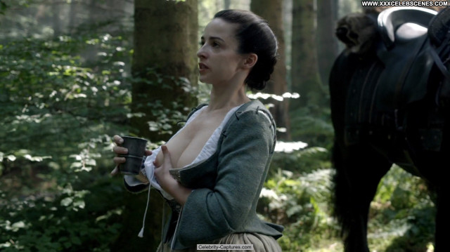 Laura Donnelly Outlander Sex Scene Posing Hot Celebrity Beautiful Babe