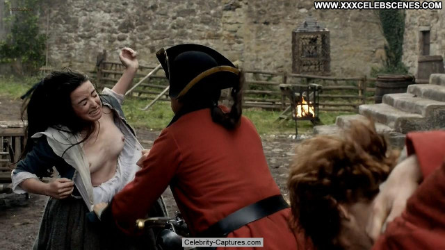 Laura Donnelly Outlander Babe Topless Sex Scene Toples Posing Hot