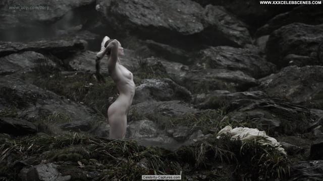Alyssa Sutherland Vikings  Sex Scene Celebrity Beautiful Babe Posing