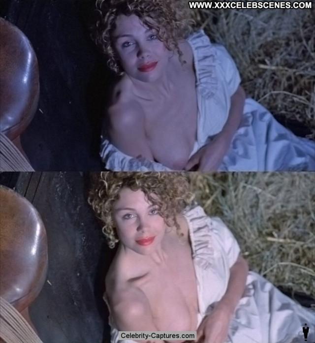 Sarah Maur Thorp Sara Beautiful Toples Babe Posing Hot Topless