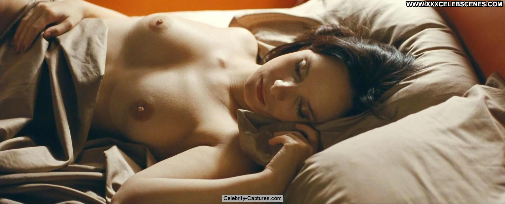 Amanda peet nude scene in togetherness scandalplanetcom