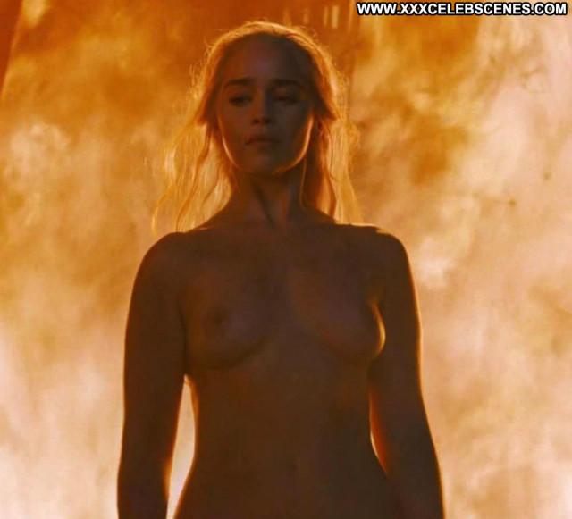 Emilia Clarke Game Of Thrones Fantasy Babe Babe Big Tits Posing Hot