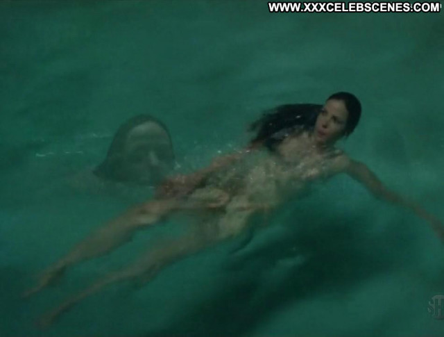 Mary Louise Parker No Source Posing Hot Park Ass Nude Celebrity Pool