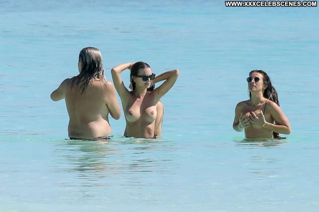 Emily Ratajkowski Perfect Hollywood Beautiful Posing Hot Hot Babe