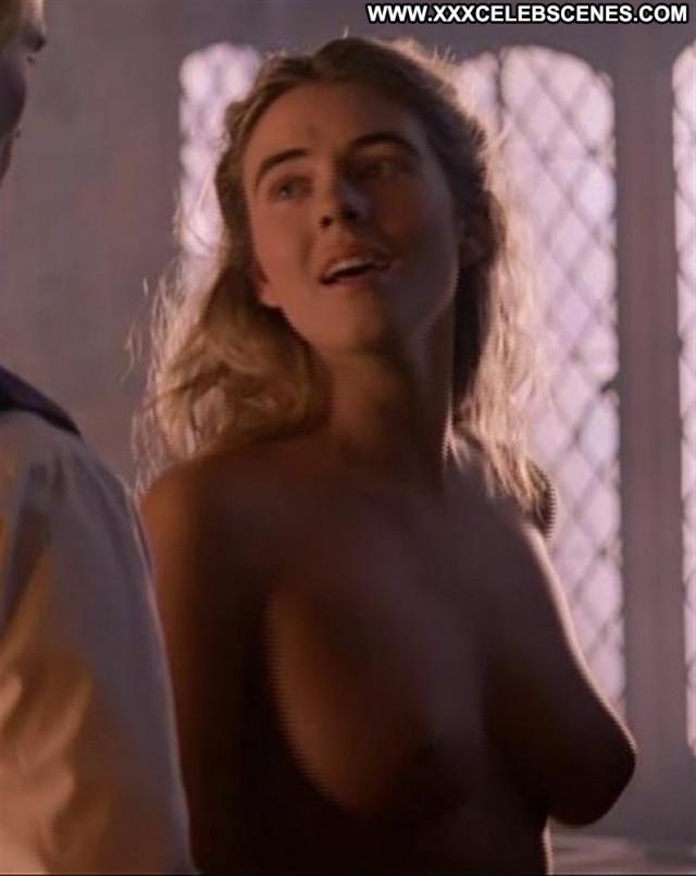 Elizabeth Hurley Hollywood Beautiful Live Nude Spa Amateur Posing Hot