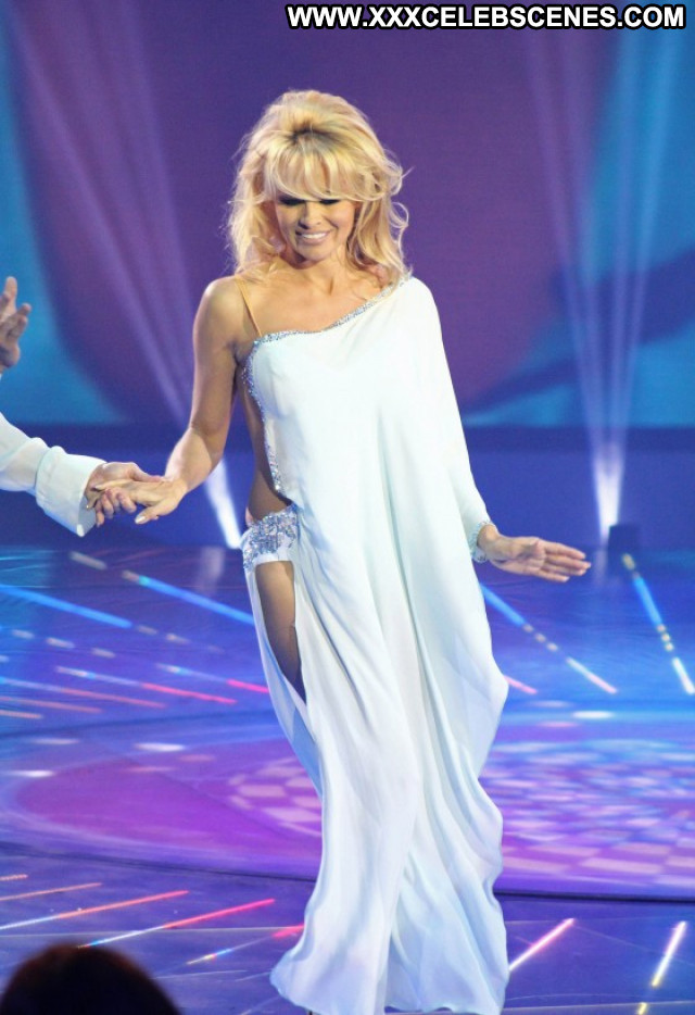 Pamela Anderson Tv Show Babe Tv Show Dancing Celebrity Posing Hot