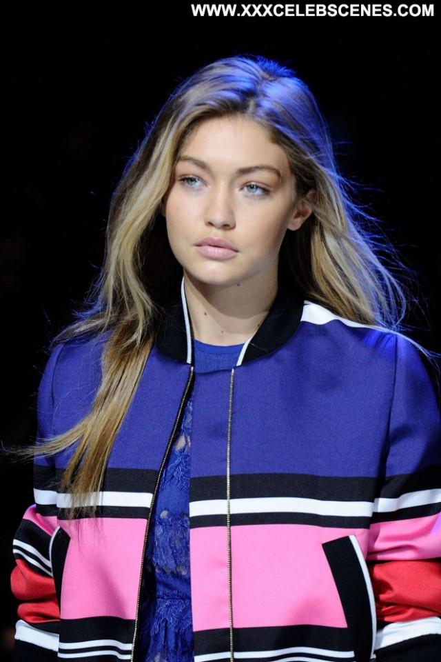 Gigi Hadid Beautiful Celebrity Fashion Paparazzi Posing Hot Paris