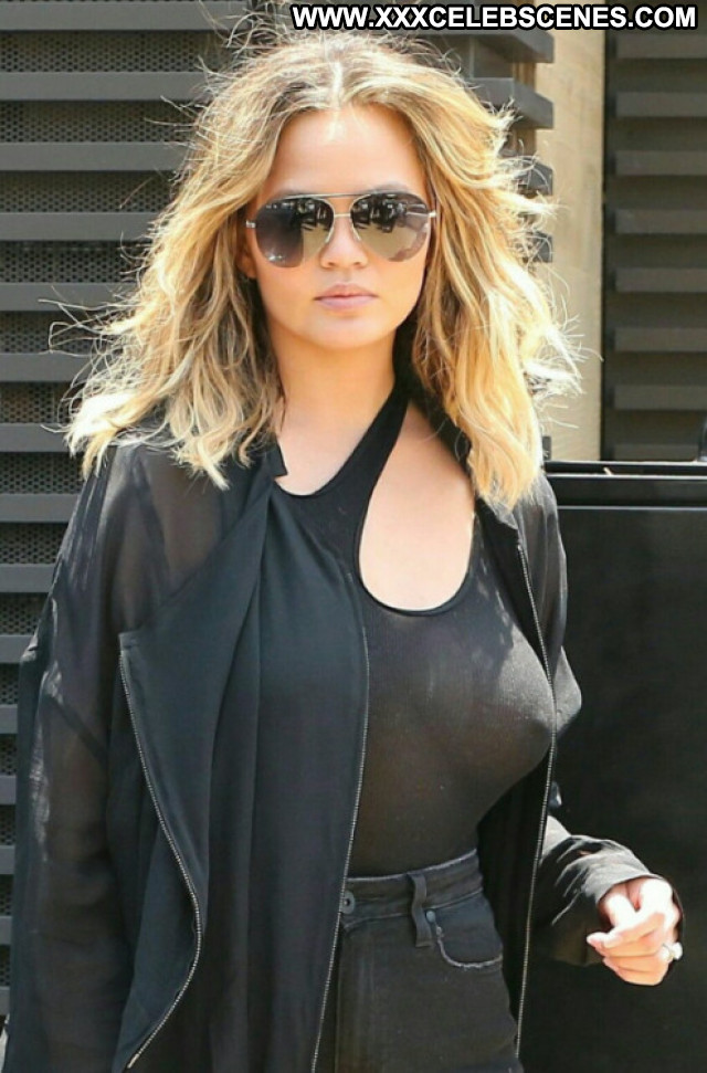 Chrissy Teigen Amateur Perfect Hollywood Reality Bar Beautiful Ass