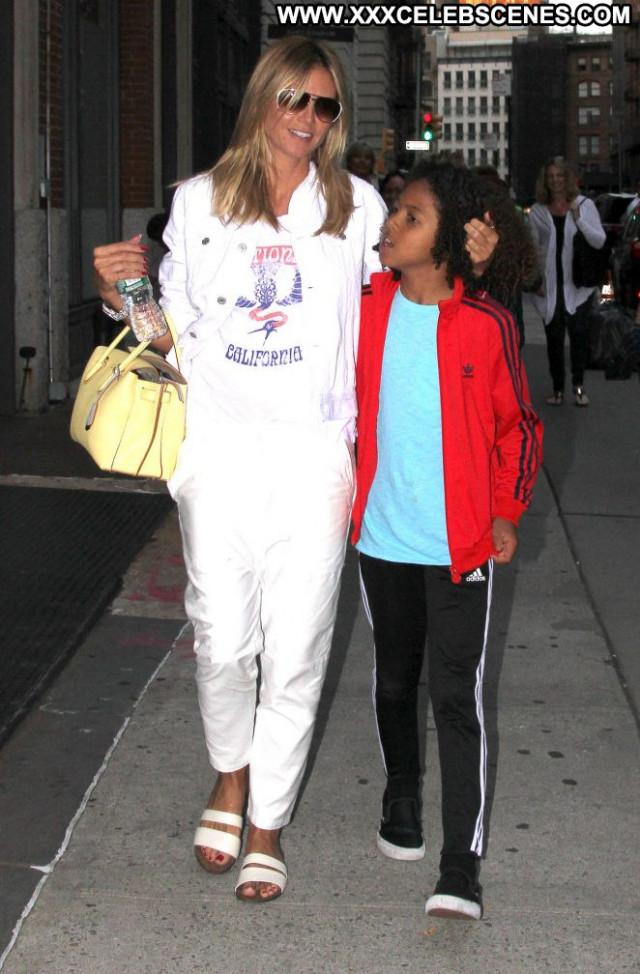 Heidi Klum New York Beautiful Posing Hot Celebrity Babe Paparazzi New
