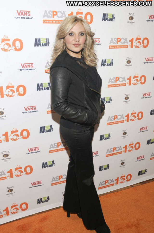 Orfeh Paparazzi Posing Hot Beautiful Celebrity Babe