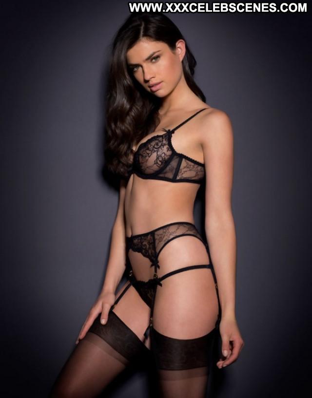 Nicole Harrison No Source Photoshoot Bus Model Babe Celebrity Hot