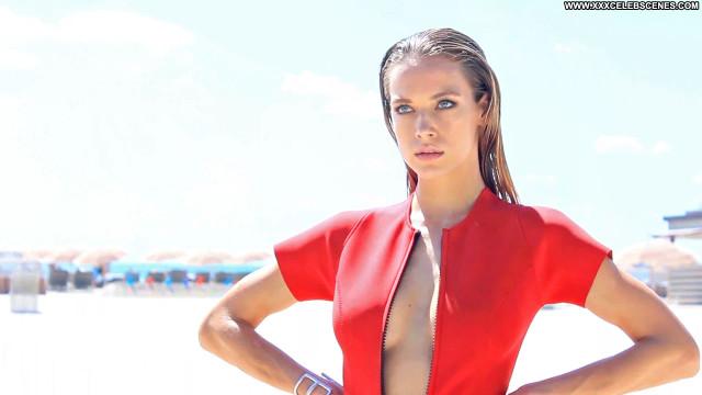 Hannah Ferguson No Source Babe Posing Hot Ocean Beautiful Summer