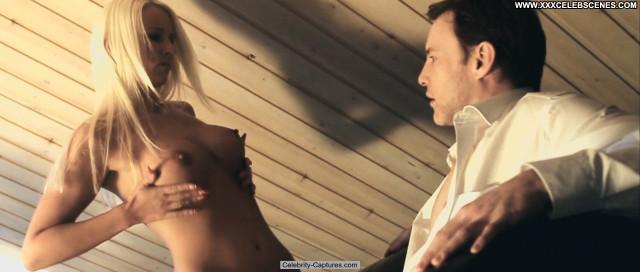 Julia Altenkirch Entropie  Celebrity Sex Scene Posing Hot Babe