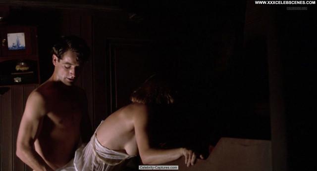 Emma Thompson Carrington Posing Hot Beautiful Celebrity Sex Scene