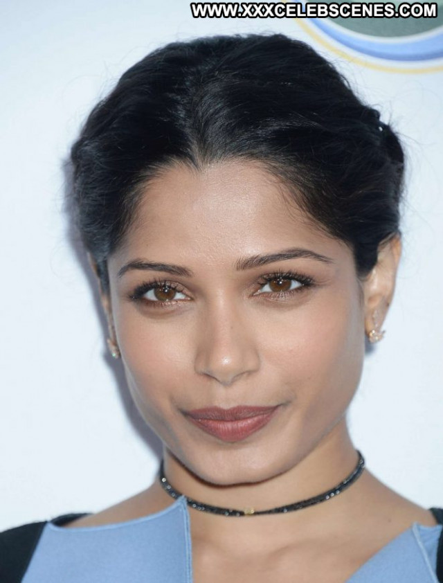 Freida Pinto No Source Paparazzi Healthy Beautiful Celebrity Posing