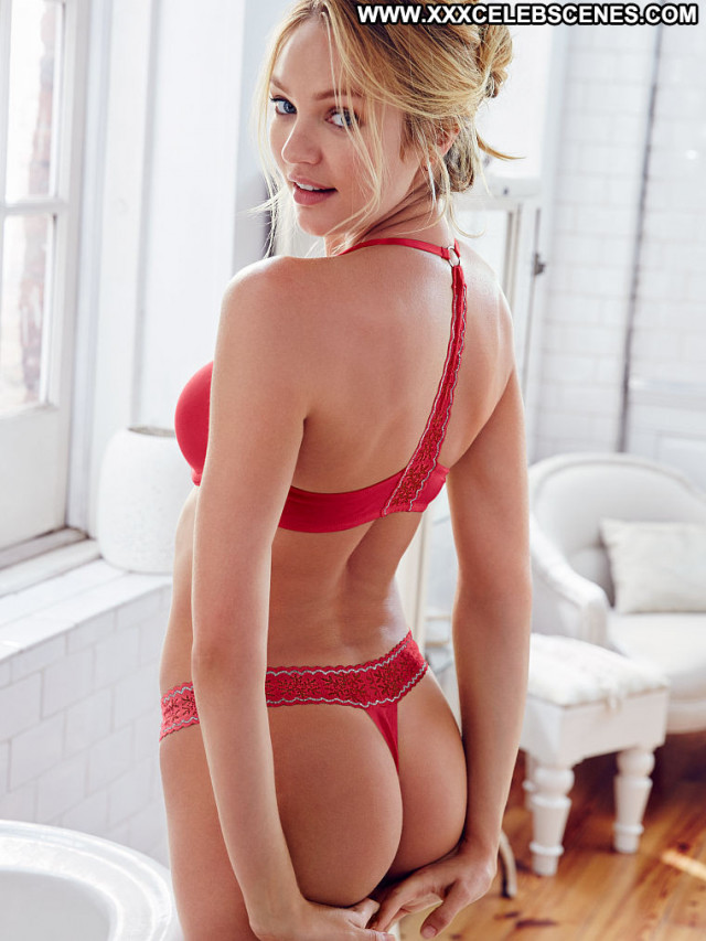 Selena Gomez Vanity Fair Beautiful Winter Photoshoot Ass Actress