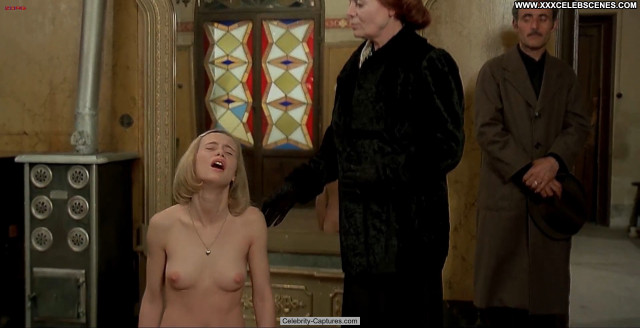 Renata Moar Images Beautiful Sex Scene Nude Babe Posing Hot Celebrity