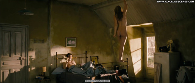 Heida Reed One Day Babe Posing Hot Naked Scene Celebrity Sex Scene