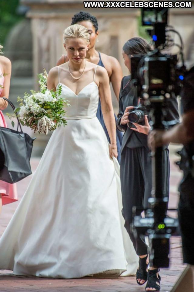 Kristen Bell New York  Babe Paparazzi Celebrity Fat Posing Hot New
