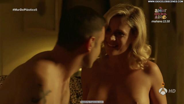 Lisi Linder Mar De Plastico Nude Beautiful Nude Scene Posing Hot Babe