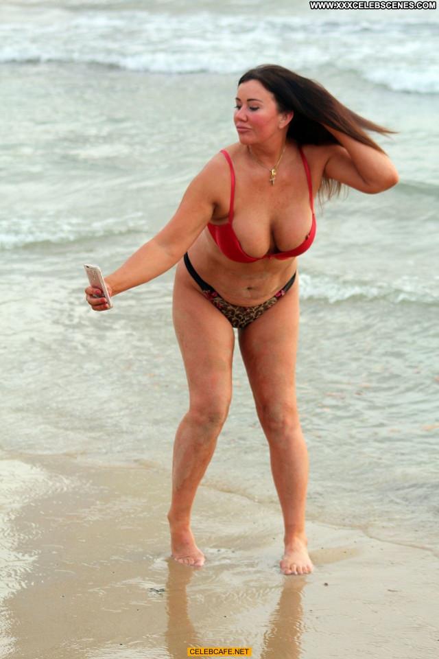 Lisa Appleton No Source Beautiful Nipple Slip Beach Babe Posing Hot