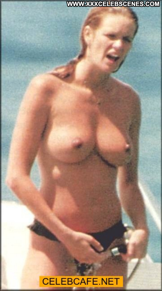 Elle Macpherson Le Mac Yacht Toples Beautiful Celebrity Babe Topless