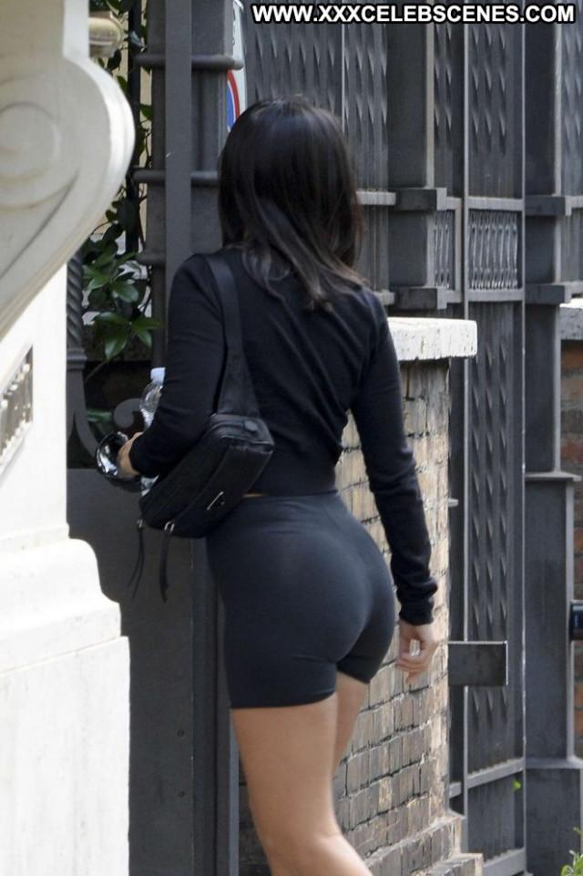 Kourtney Kardashia No Source Hot Babe Posing Hot Hotel Paparazzi