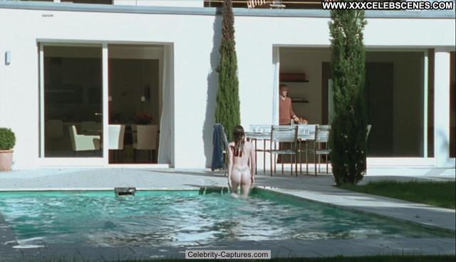 Jennifer Ulrich Stolberg Sex Scene Celebrity Babe Pool Posing Hot