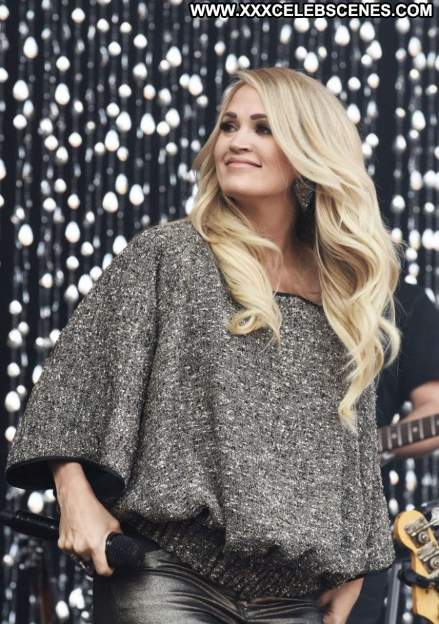 Carrie Underwood No Source Beautiful Paparazzi Celebrity Babe Concert