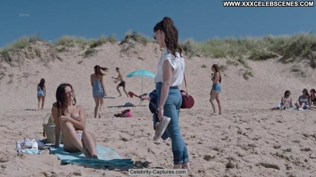 Maria De Nati La Verdad Babe Beach Posing Hot Toples Sex Scene