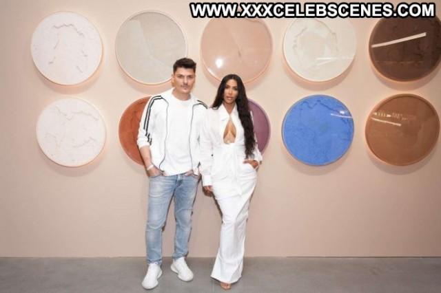 Kim Kardashian No Source Celebrity Beautiful Paparazzi Babe Posing Hot