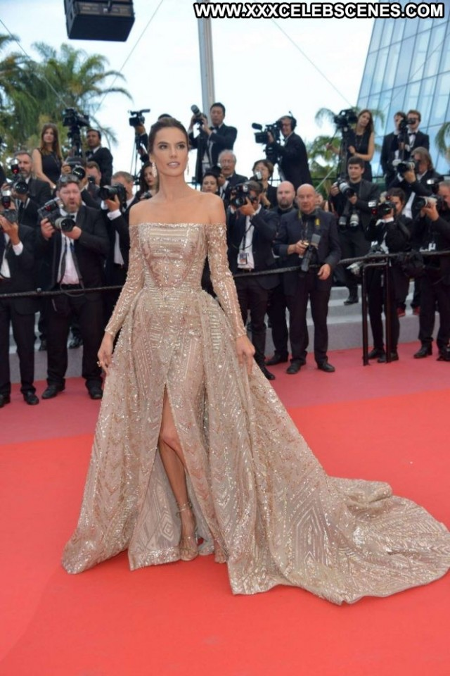 Alessandra Ambrosio Cannes Film Festival Babe Paparazzi Beautiful