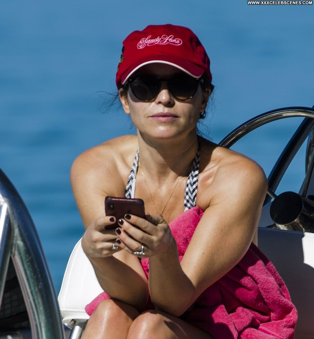 Andrea Corr No Source Barbados Bikini Hotel Videos Bar Posing Hot