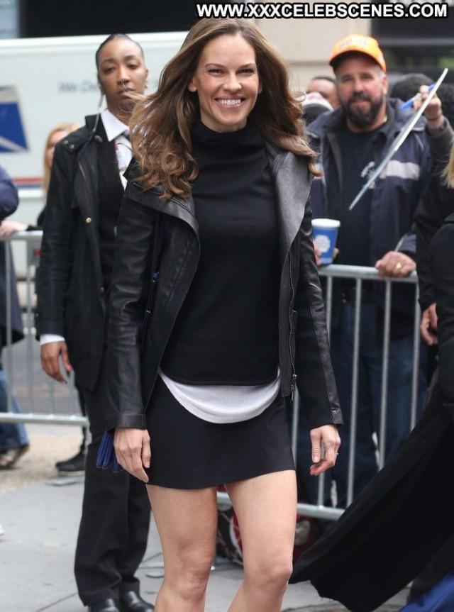 Hilary Swank New York Posing Hot Babe Paparazzi Beautiful Celebrity