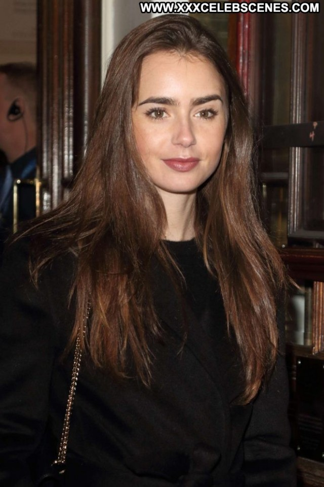 Lily Collins No Source Paparazzi Celebrity Beautiful Posing Hot Babe