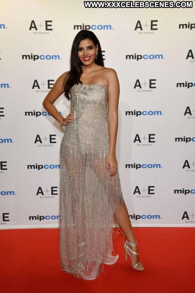 Stephanie Del Valle Red Carpet Posing Hot Babe Red Carpet Celebrity