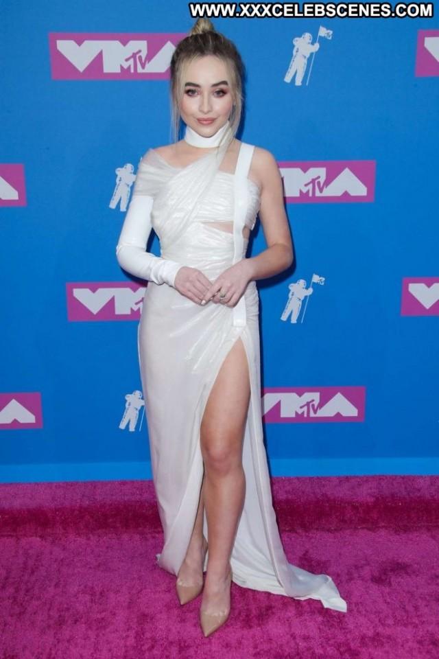 Sabrina Carpenter New York  Awards New York Car Babe Celebrity